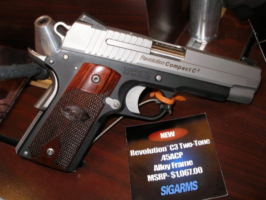 SIGARMS Revolution Compact  C3